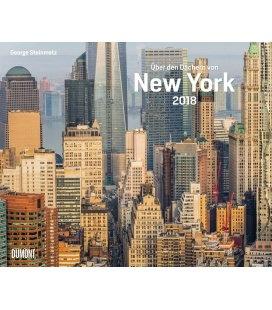 Nástěnný kalendář Nad střechami New Yorku / Über den Dächern von New York 2018