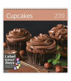 Nástěnný kalendář Cupcakes 2019