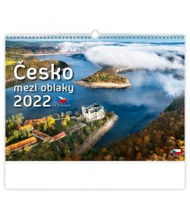 Wall calendar Česko mezi oblaky 2022